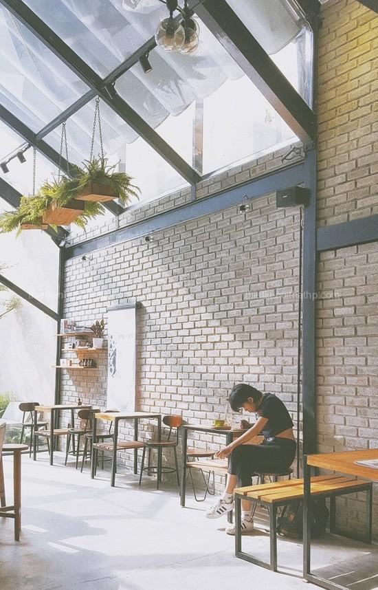 Chiêm ngưỡng thiết kế quán coffee mộc mạc được giới trẻ yêu thích